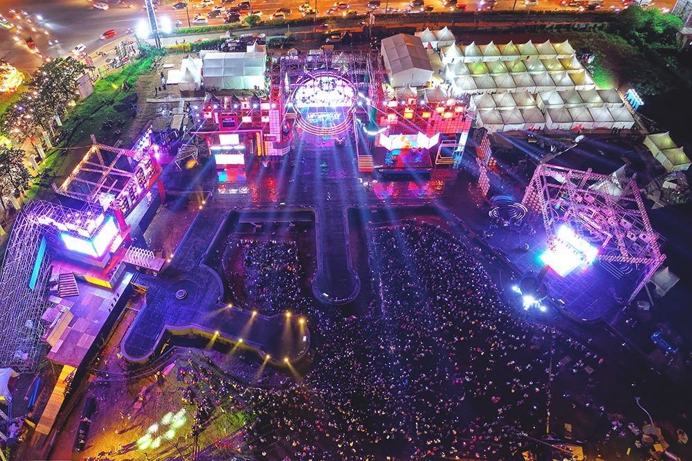 Large scale event and festival commercial photography insurance